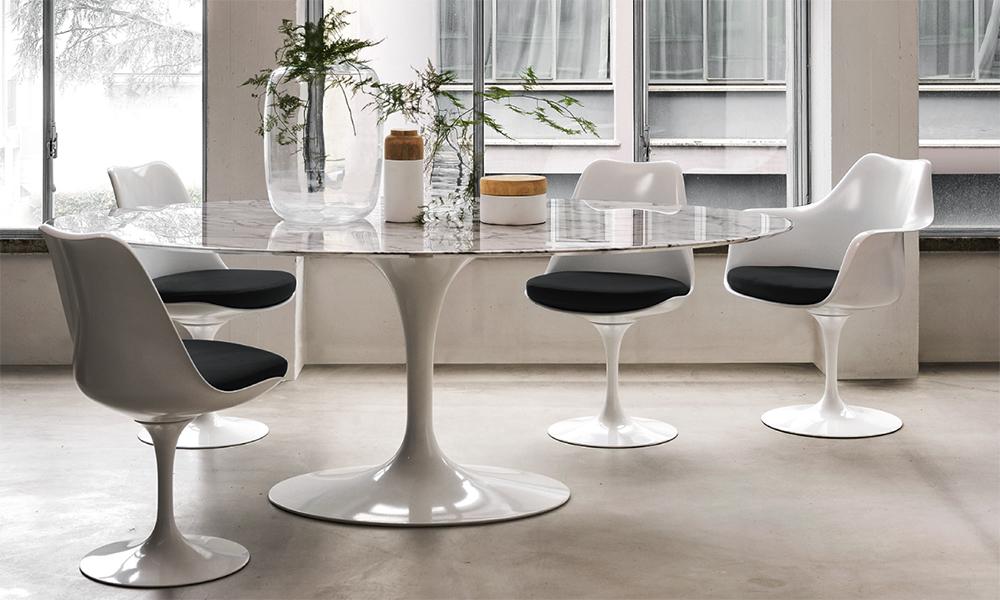 Saarine Tulip Table and chairs