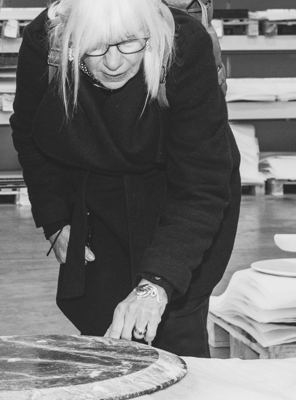 The daughter of Eero Saarinen in her recent visit to the Knoll factory in Foligno
